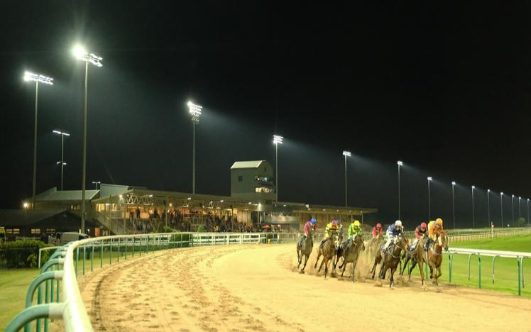 Jockeys praise Southwell's floodlights